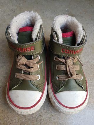 Zapatillas sneakers piel Converse niño de segunda mano por
