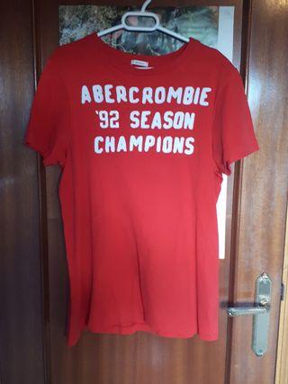Usado, Camiseta roja Abercrombie, talla M segunda mano  España