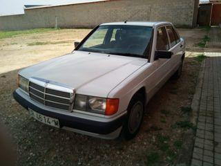 Mercedes-Benz Clase E 1992. 87.000 km gasolina...