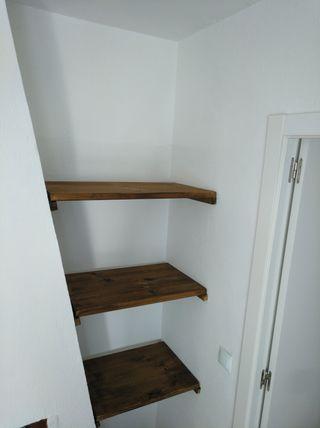 mantamos estantes de madera
