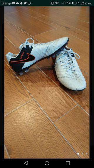 botas de futbol nike tiempo gama alta. ACC
