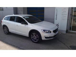 Volvo V60 Cross Country D4 Momentum Auto 140kW (190CV)