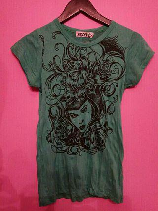 Camiseta preciosa SMASH con dibujo chica