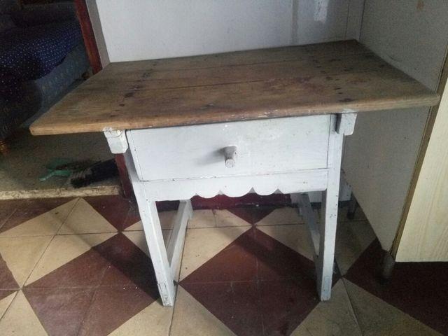 Mesa de cocina antigua de segunda mano por 50 € en San Vicente de ...