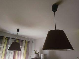 Dos lámparas marrones