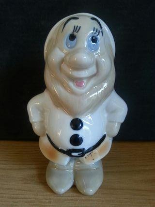 figura cerámica porcelana enanito walt disney