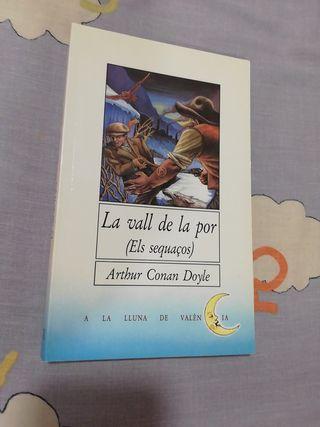 """Llibre """"La vall de la por (Els sequaços)"""""""