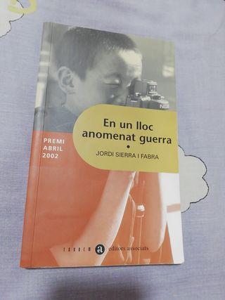 """Llibre """"En un lloc anomenat guerra"""""""