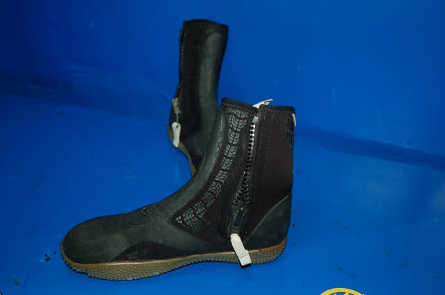 ZAPATOS TRIBORD talla 39 ideal rios-submarinismo