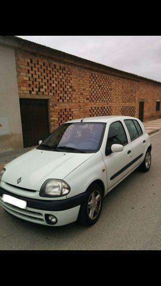Renault Clio 1999 automático gasolina