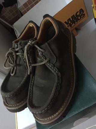 Zapatos mocasine