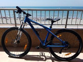 Bicicleta MTB muy bien cuidada