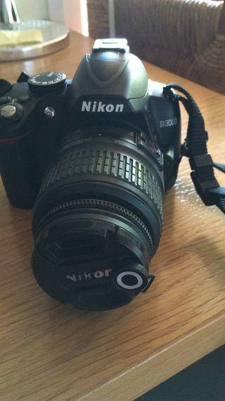 Nikon D3000 camara reflex digital