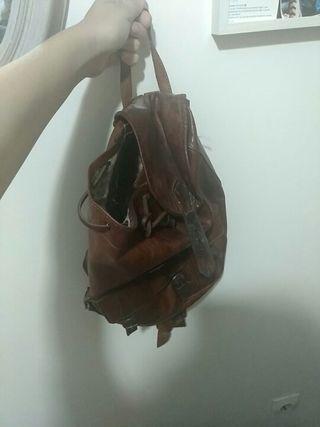 mochila de piel