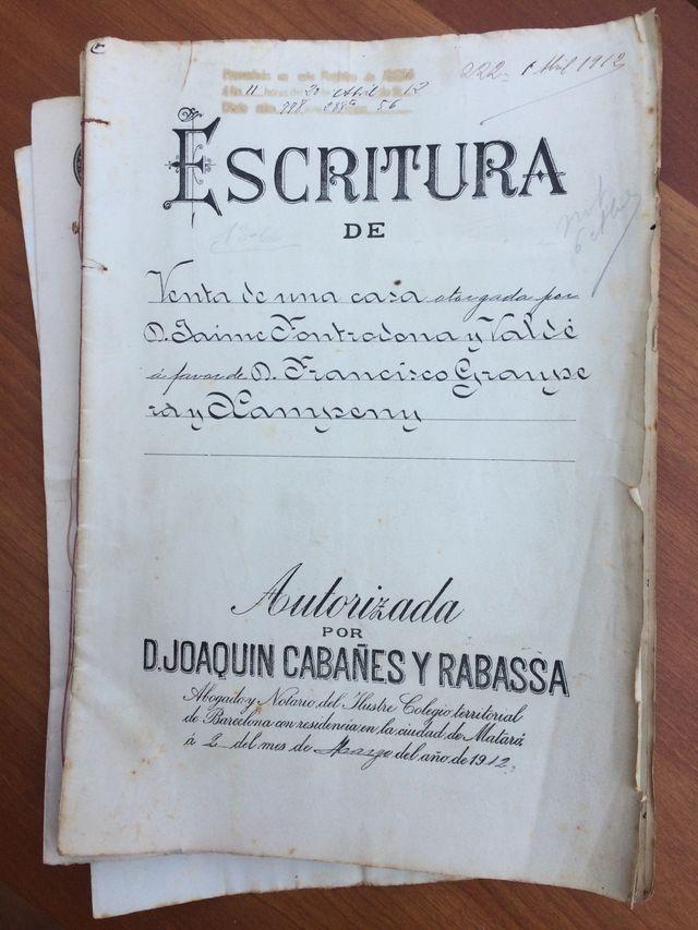 Escritura antigua Mataro año 1912 y Arenys 1887 EN
