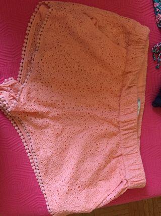pantalones cortos zara.