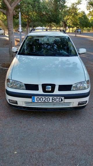 SEAT Cordoba Vario 2000