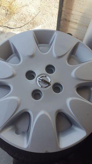 Tapacubos Nissan R17 nuevos 4 tornillos