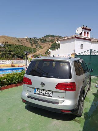 Volkswagen TOURAN CROSS 2011