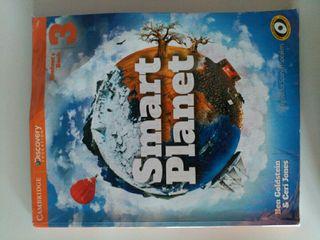 Libro de inglés para 3° de ESO de Cambridge.