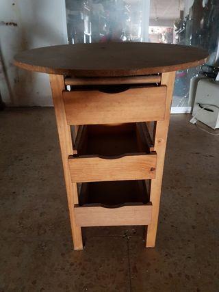 mesa de madera de pino con 3 cajones