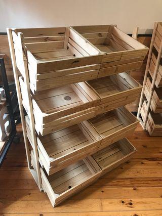 Estanteria cajas de fruta