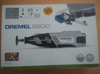 DREMEL 8200 (con batería).