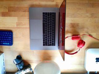 Macbook Pro 15 i7 16GB-TouchB