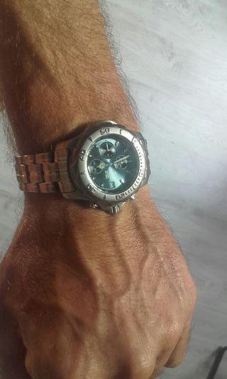 Reloj FESTINA nuevo, buen acero y sumergible.