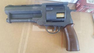 Pistola de Hellboy