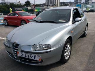 JR042195 Alfa Romeo 147 2001