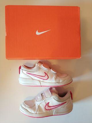 Zapatillas Nike T28