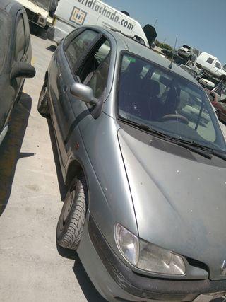 Renault scenit para despiece
