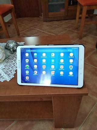 vendo tablet Samsung sm-t580