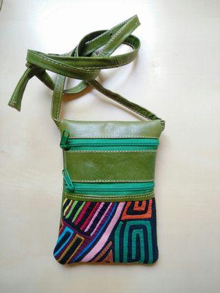 Bolsito cuero colombiano artesanía