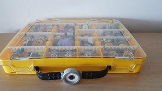 Maletin y 25 Minions originales Megablok