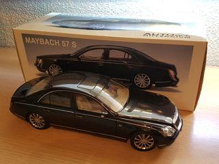 Maqueta Maybach 57S Autoart 1/18 negro como nuevo
