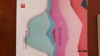 Llibre d'economia de 1r de batxillerat