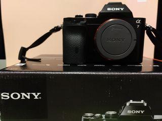 Cámara Sony y objetivo A7 ILCE-7K