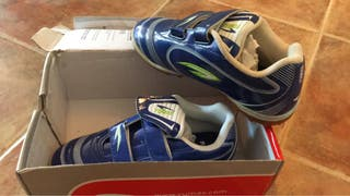 Zapatillas futbol sin usar num. 35