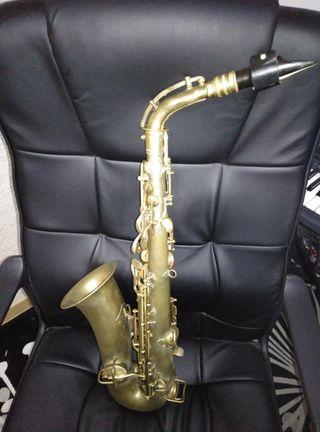 saxofon alto conn chu berry