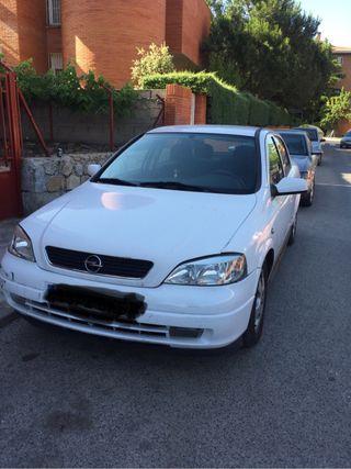 Opel Astra 2001 se vende
