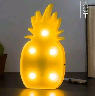 Lámpara LED de pared piña
