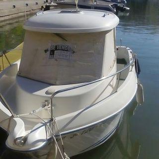 Embarcación Quicksilver 560