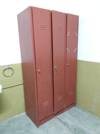 Taquilla metal vintage armario ropero de segunda mano por 120 en madrid en wallapop - Armarios vintage segunda mano ...