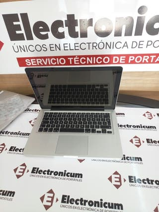 Macbook pro 13 i7 8GB 240GB SSD