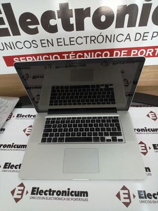 Macbook Pro 15 i7 8GB 1000 GB