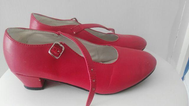 mejores zapatillas de deporte 5121a f7ffa Zapatos rojos tacon niña talla 35 de segunda mano por 8 € en ...