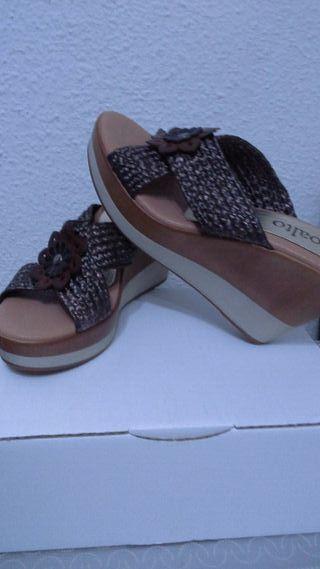 Sandalias sueco de piel