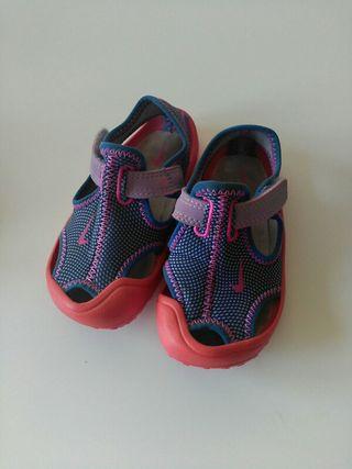 Zapatillas Nike baño